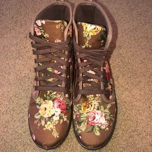 EUC - authentic Dr Martens high top tennis shoes
